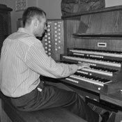 Church organist for all occasions